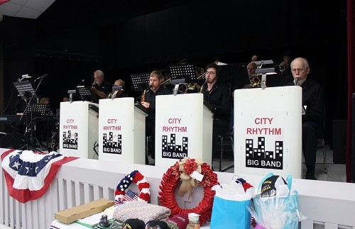 Dinner music by the City Rhythm Big Band