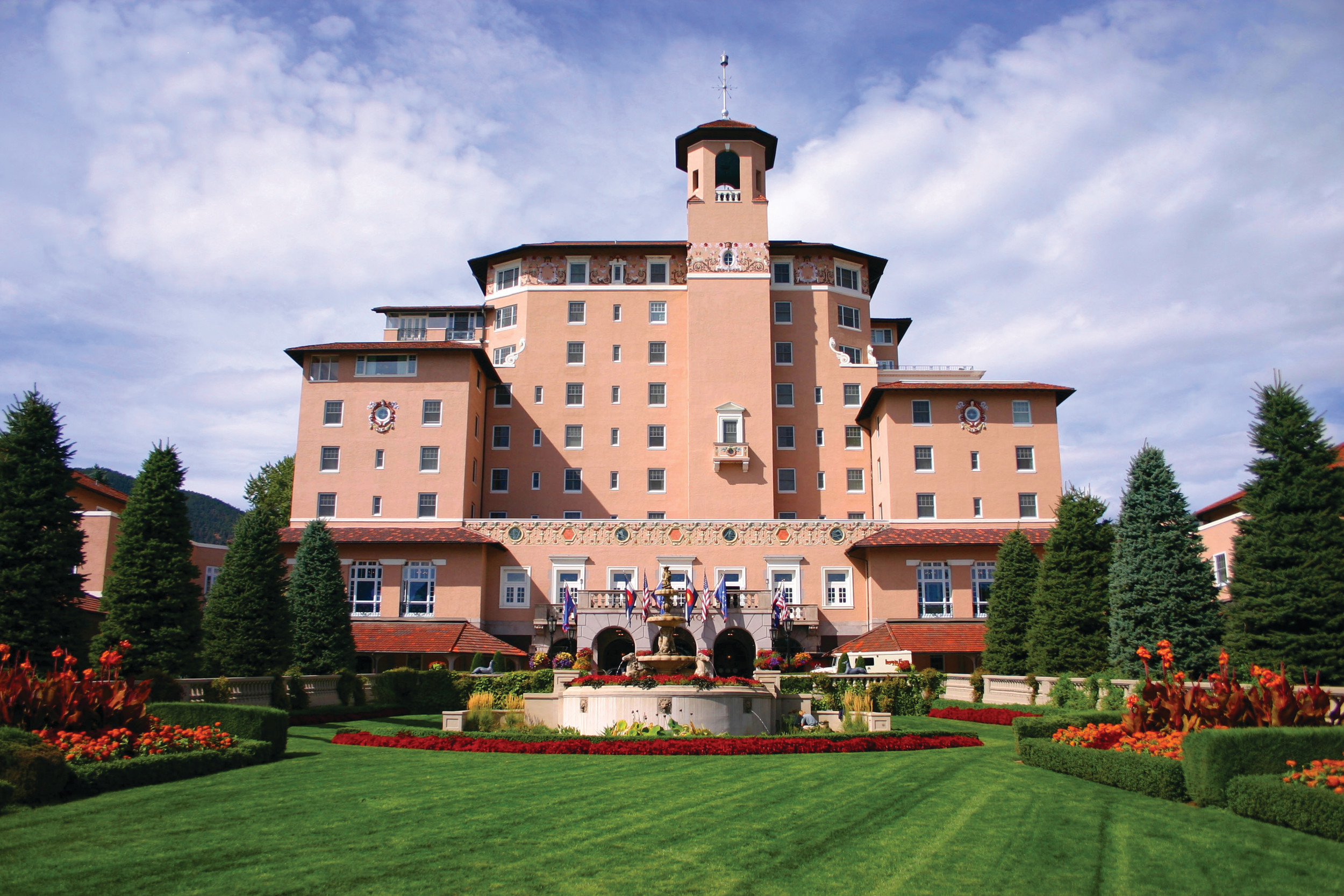 The historic Broadmoor resort will be the stunning venue for the first-ever joint Annual Meeting of Inland and the Southenn Newspaper Publishers Association.