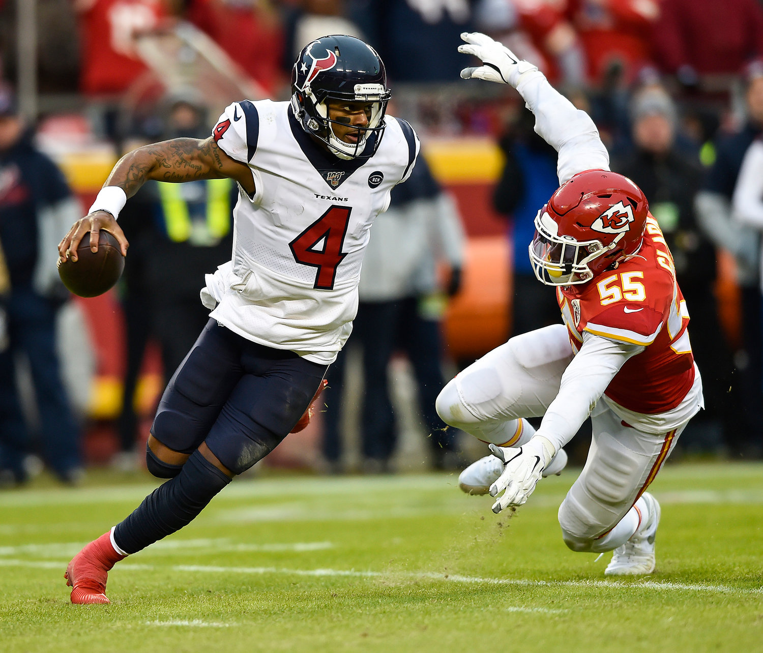 Kansas City Chiefs defensive end Frank Clark pressures Houston Texans quarterback Deshaun Watson Sunday, Jan. 12, 2020, at Arrowhead Stadium in Kansas City, Mo. (Jill Toyoshiba/Kansas City Star/TNS)