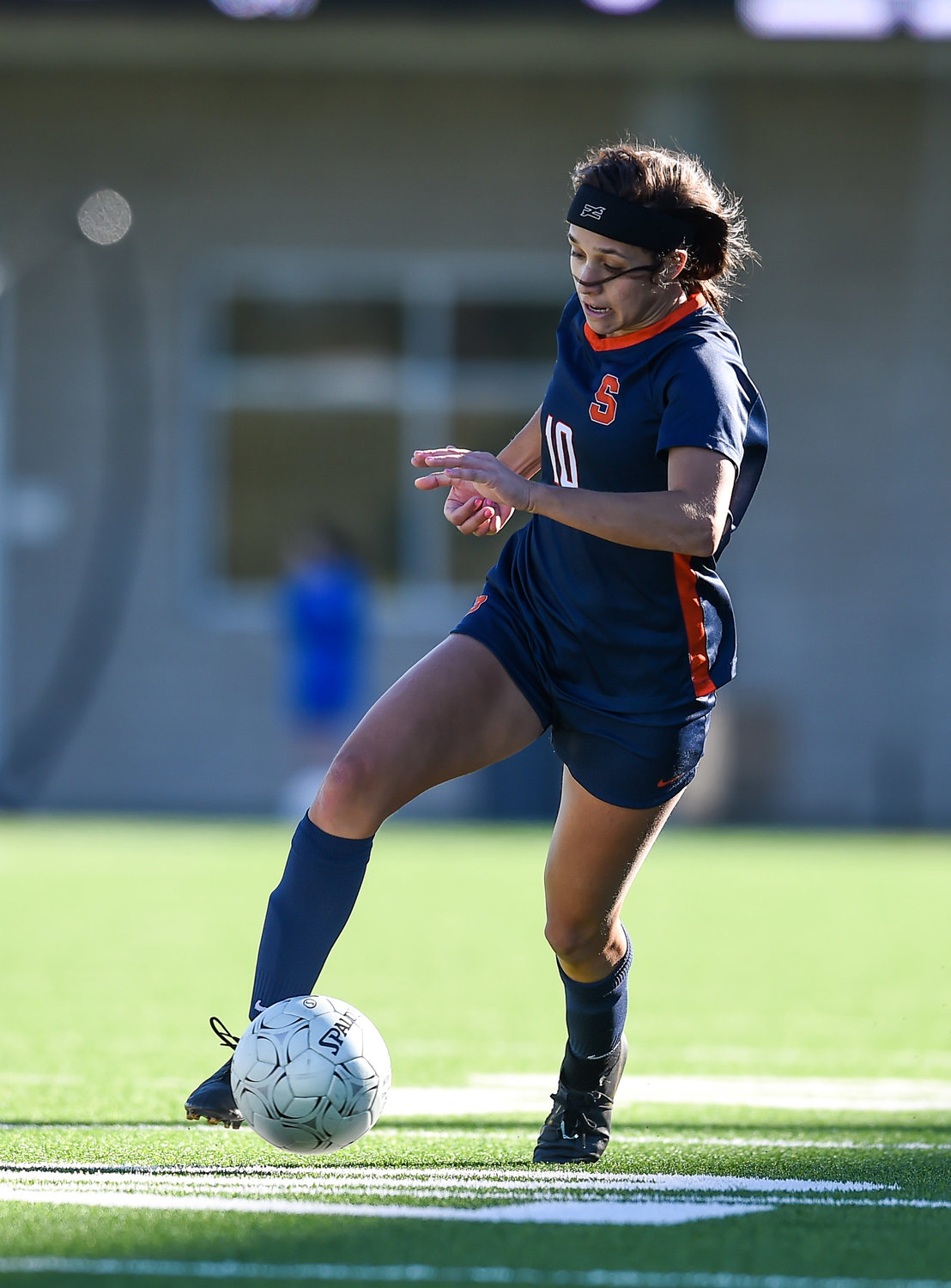 Katy Tx. Jan. 11, 2020: Seven Lakes Arianna Ghafari (10) advancing the ball during the I-10 Soccer Shootout in a match between Seven Lakes and George Ranch at Legacy Stadium in Katy. (Photo by Mark Goodman / Katy Time)