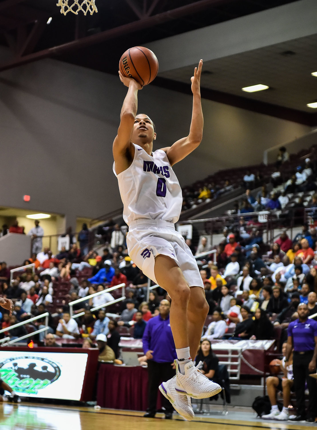 "Houston Tx. Nov. 16, 2019: Morton Ranch's Westley Sellers (0) drives to the basket during the RCS Sports ""Season Opener"" at M.O. Campbell Center.  (Photo by Mark Goodman / Katy Times)"