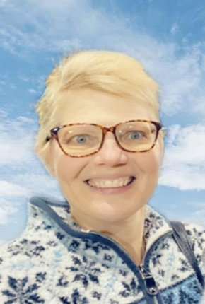 Tammy Lee Riesmeyer passed away at her home on March 9. She is survived by her husband, Rich, and an extended and loving family. Funeral services are scheduled for March 15.