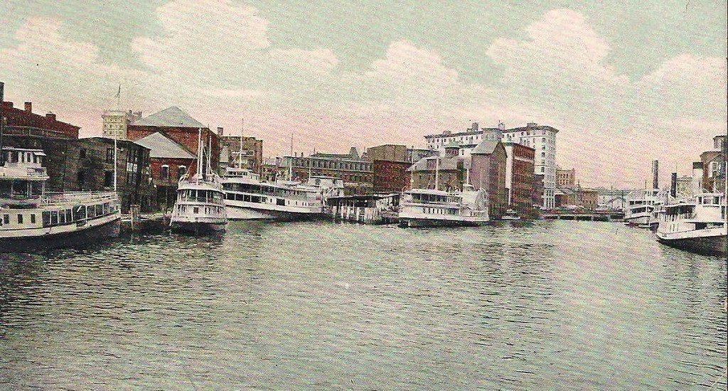 There were daily ferry trips from Providence to Riverside.