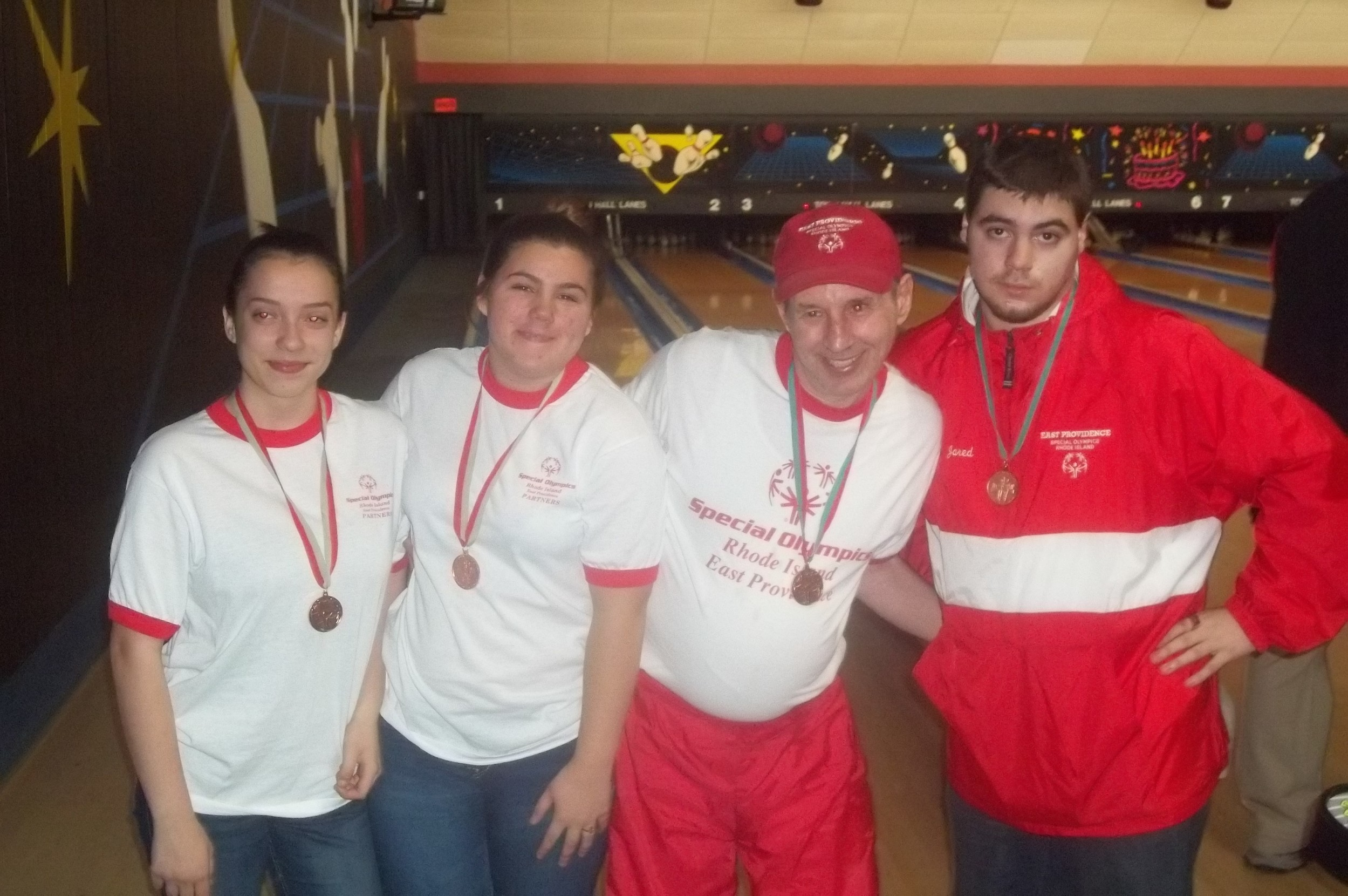 BRONZE MEDAL WINNERS Left to Right : Alyssa Vieira, Hayleigh Rivers, David Marshall, and Jared Rivers