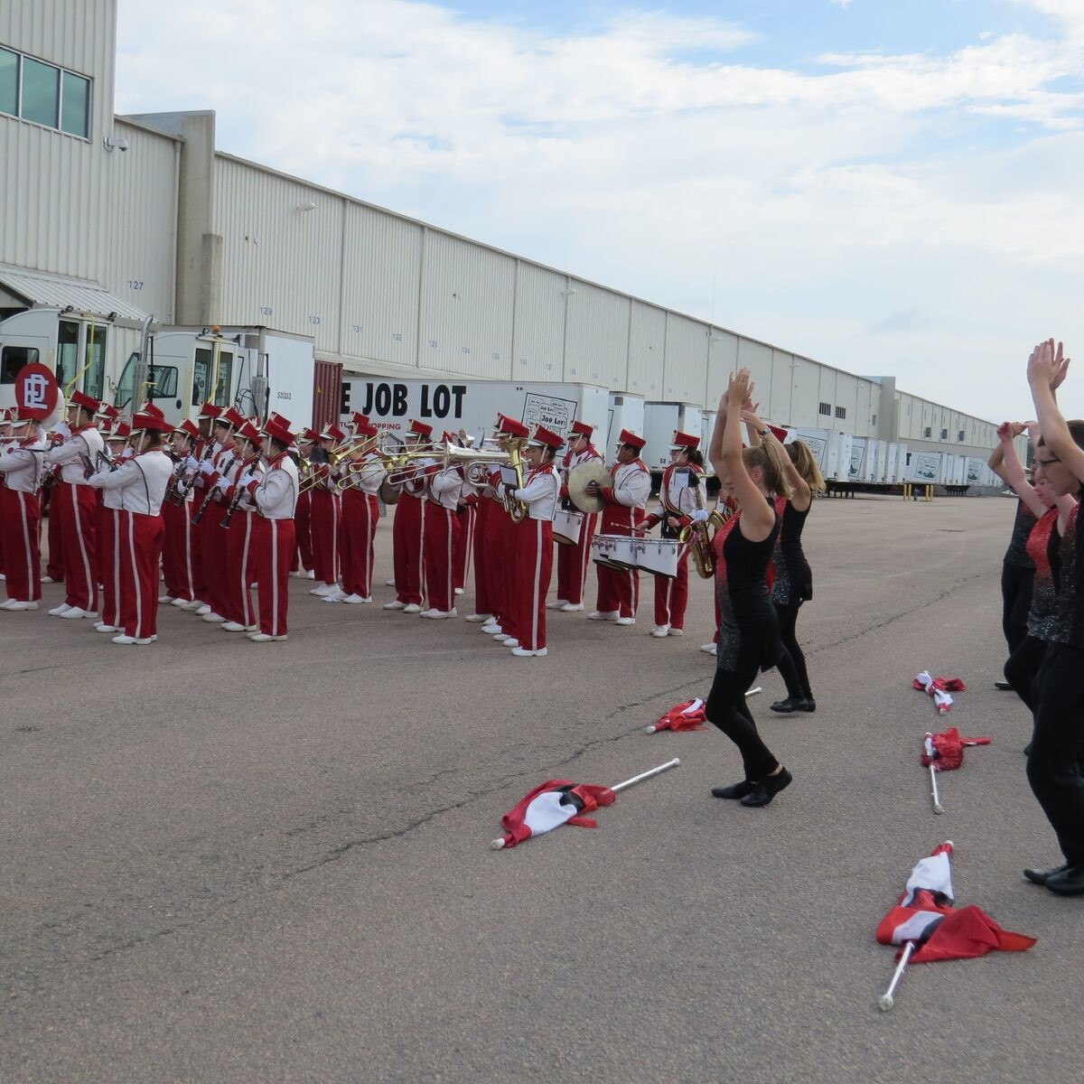 EPHS marching band plays and cheerleaders perform