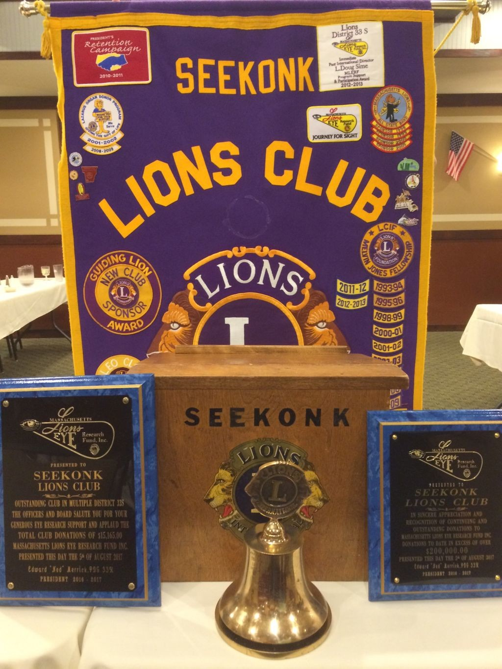 Seekonk Lions Receive Two Awards for 2016-2017 Lionistic Year