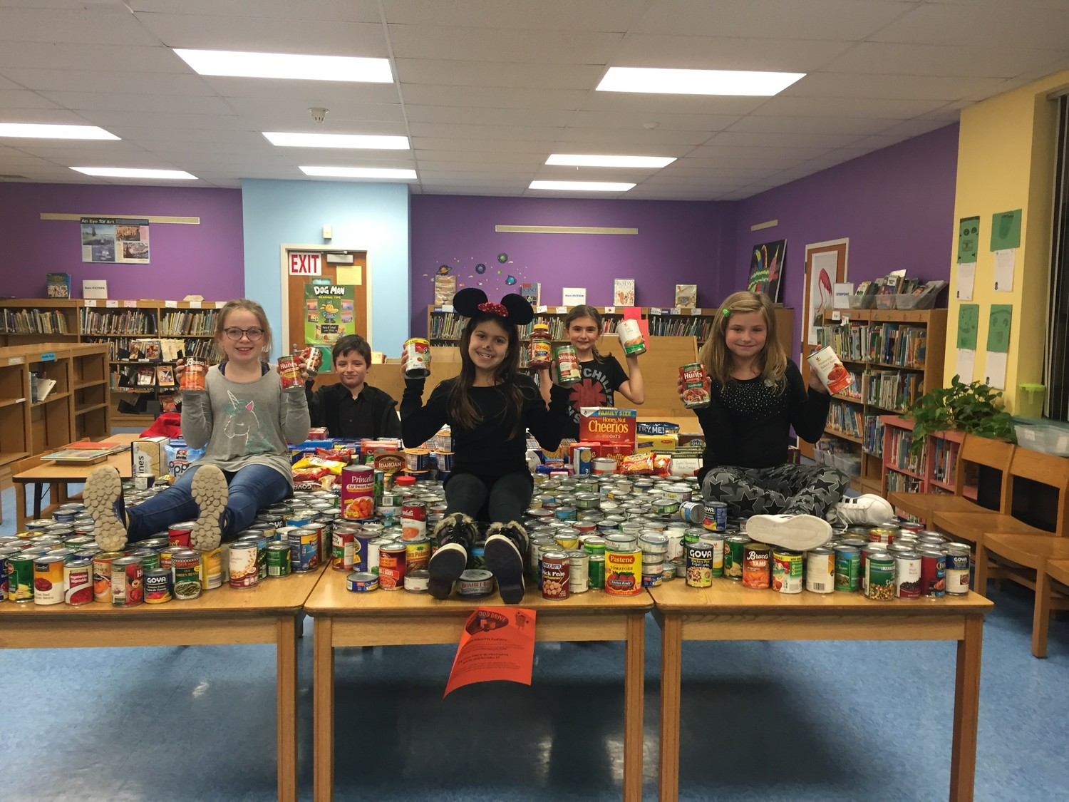 Kent Heights School Food Drive