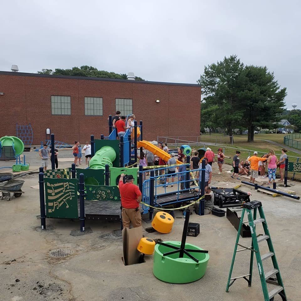 Whiteknact Playground Completed