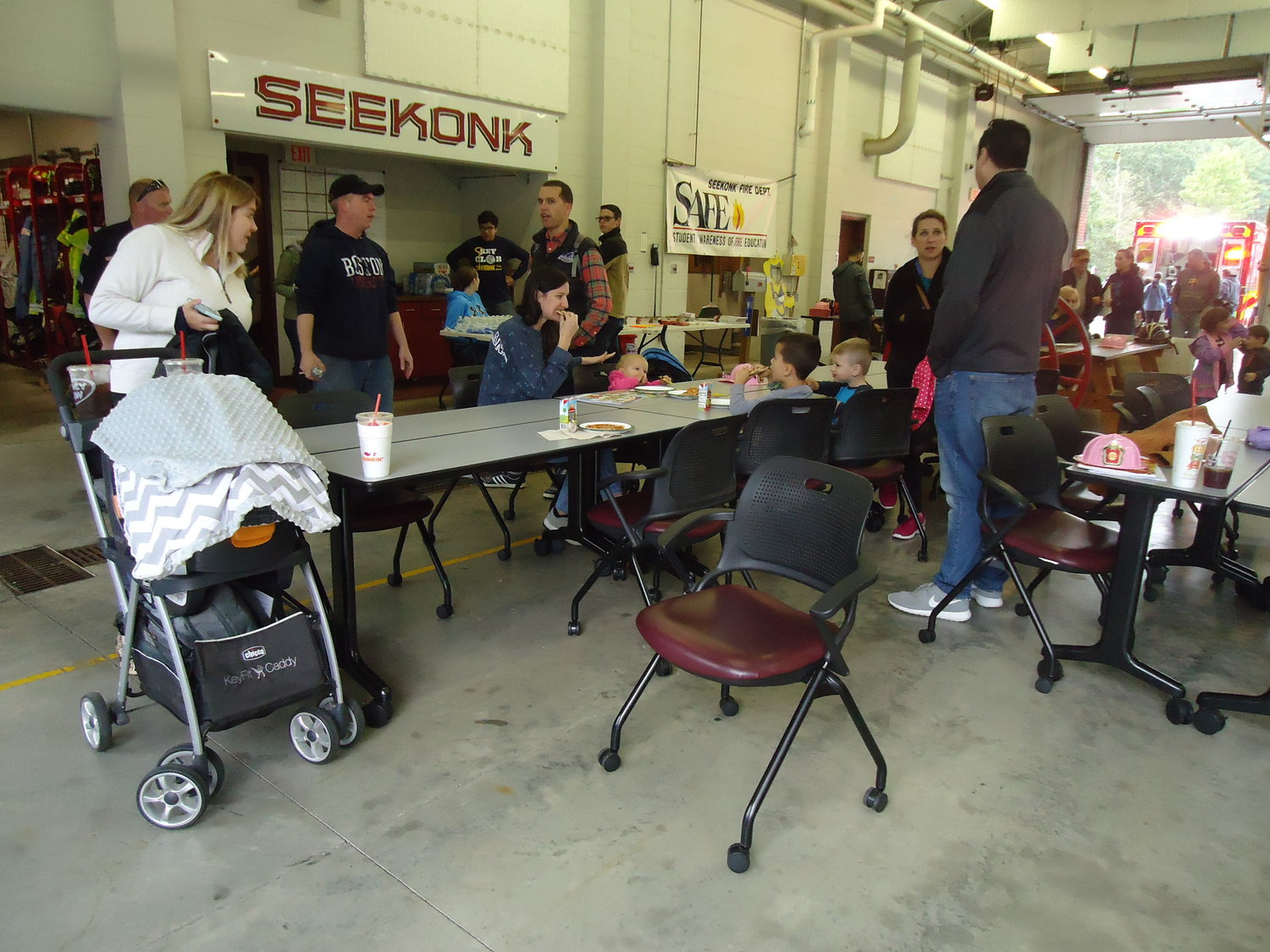 Seekonk Kiwanis and Key club assist with Safety Day