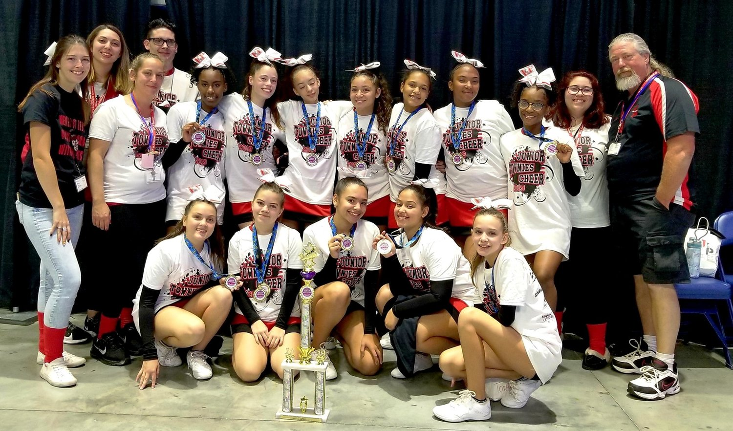 Jr. Townies cheer champs