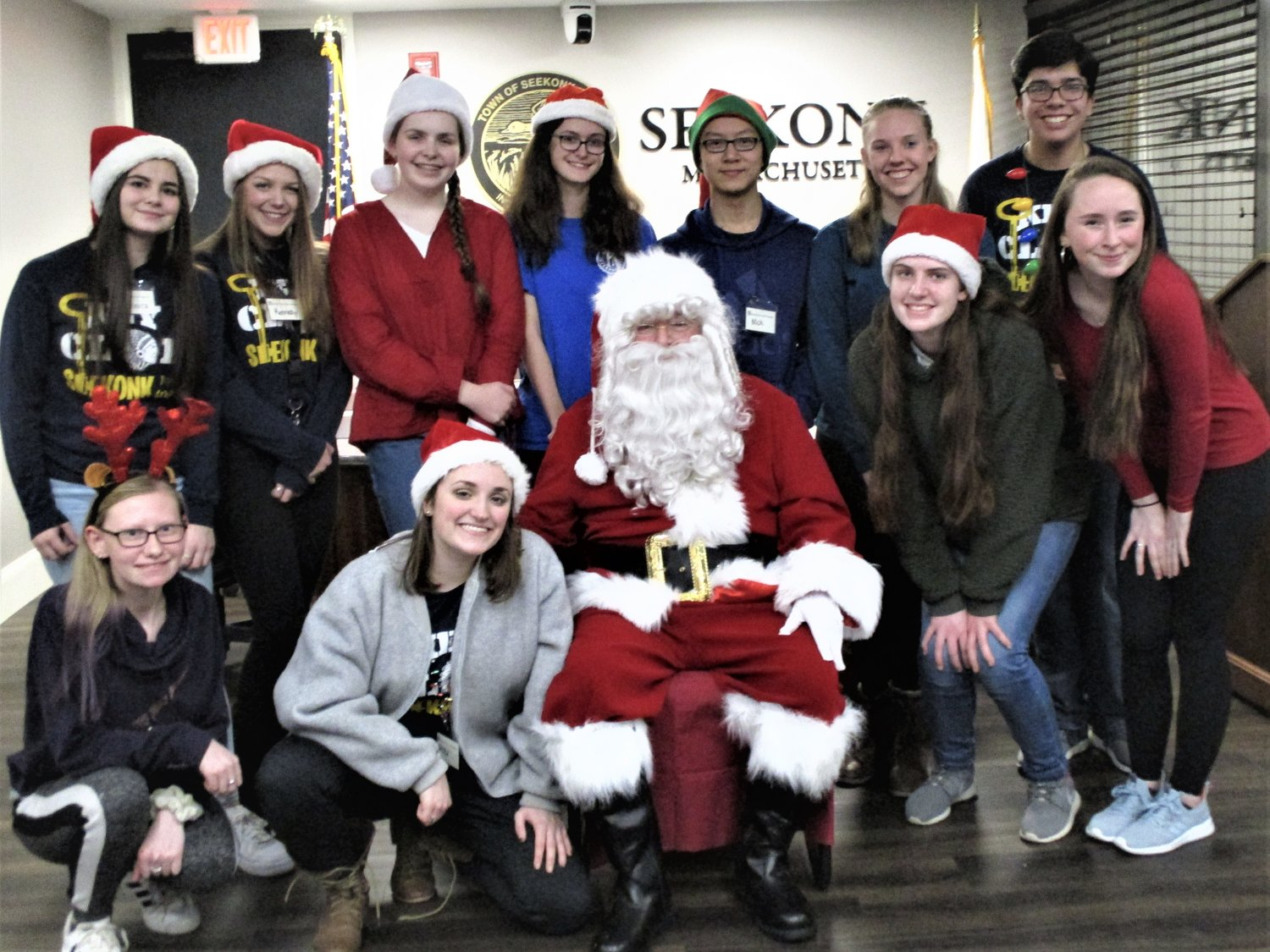 Left to right top row:  Veronica, Kennedy, Danielle, Kelsey, Nick & Alex