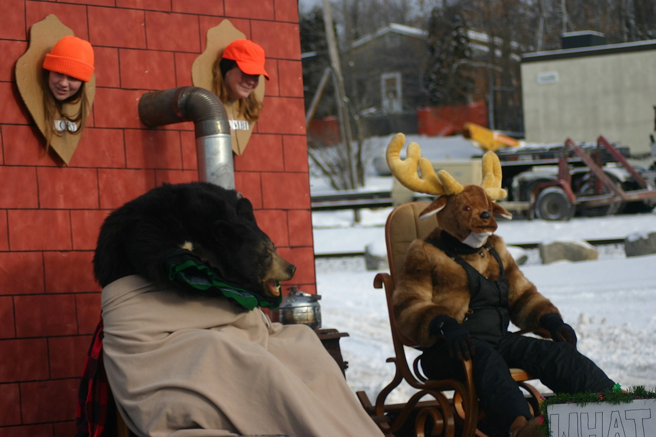 "The Gateway Lodge & Suites' entry ""Great Hunting Season"" that depicted animals as the hunters and humans as the trophies took top honors in the Snow City parade, winning $150."
