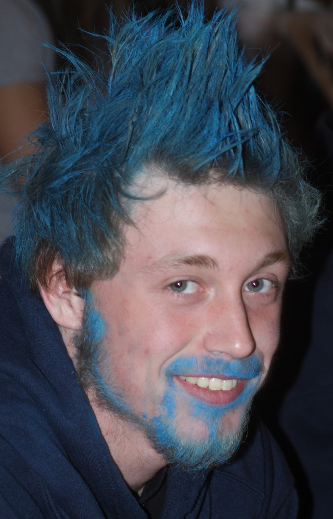 Grizzly fan Bryan Linn colored his hair and beard blue.
