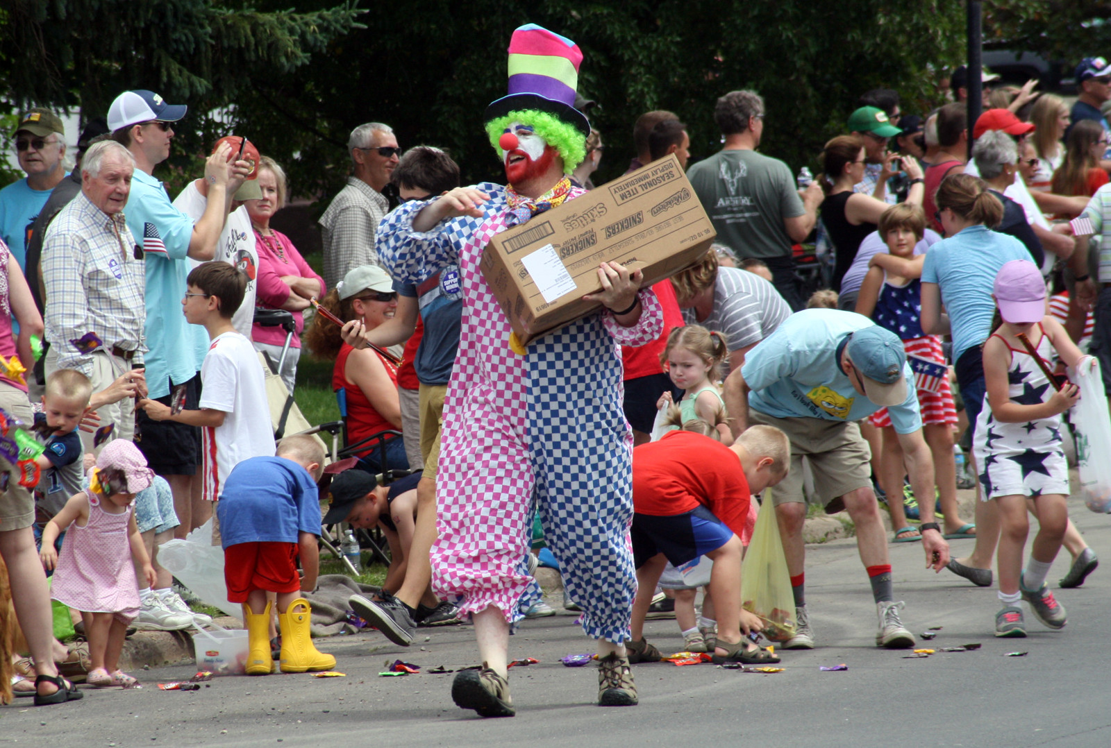 Zup's clowns in the Ely parade