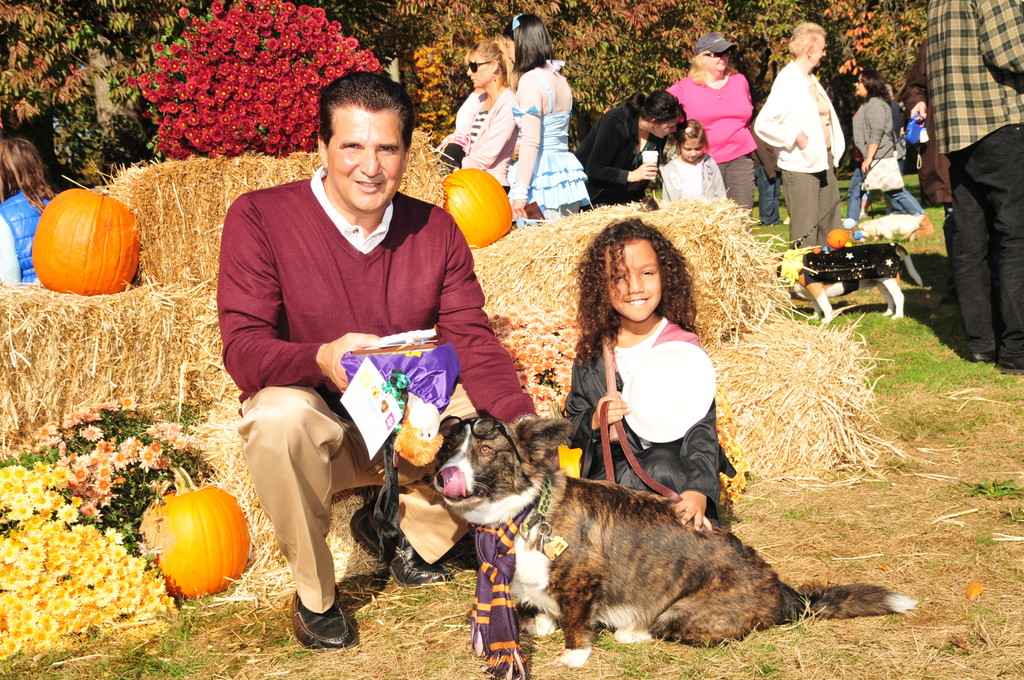 A photo from previous Strut Your Mutt, with Essex County Executive Joseph N. DiVincenzo, Jr.