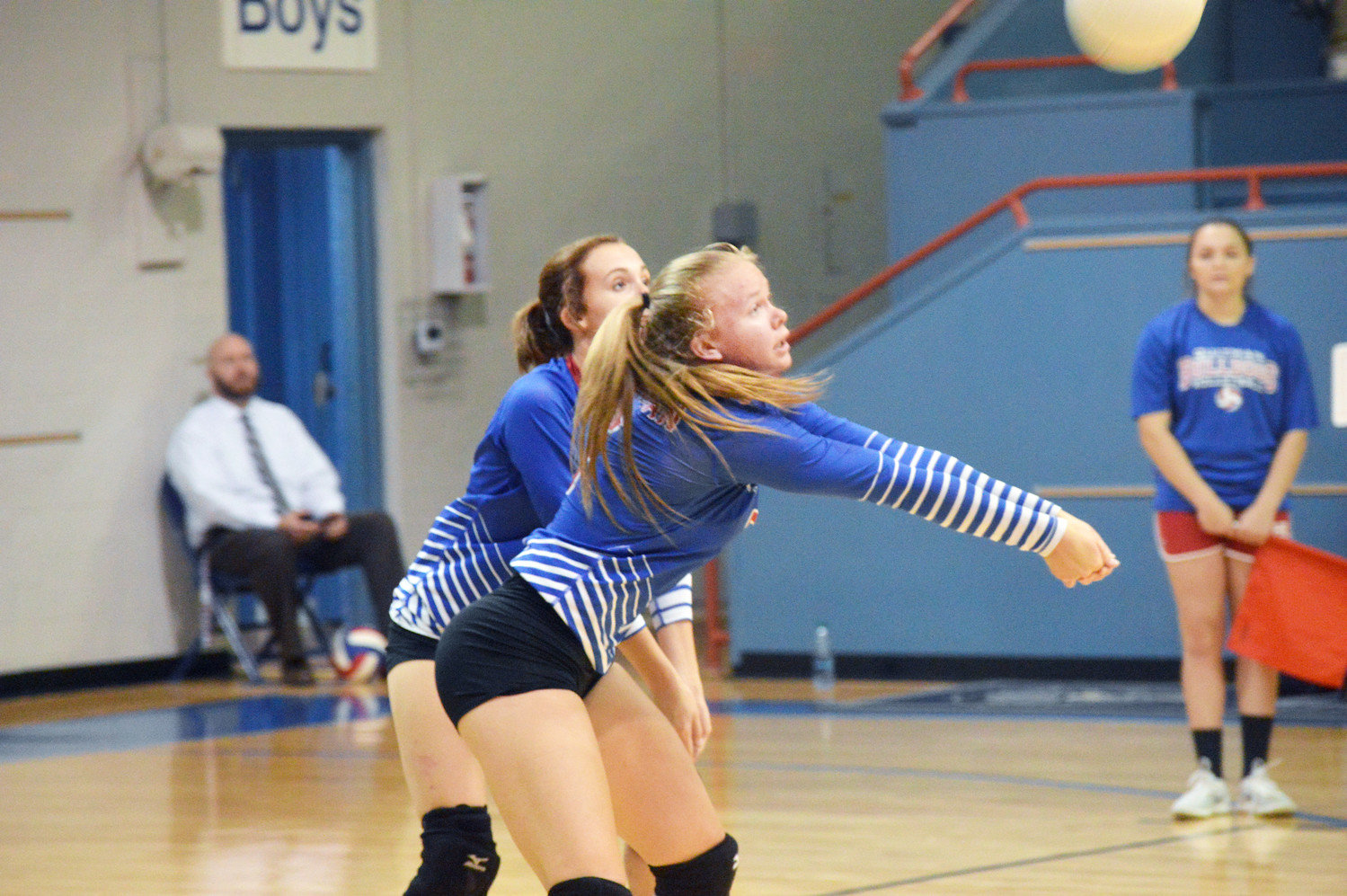 Madalyn Spears (5) returns a kill shot by Whitehouse in Quitman's victory last Tuesday.