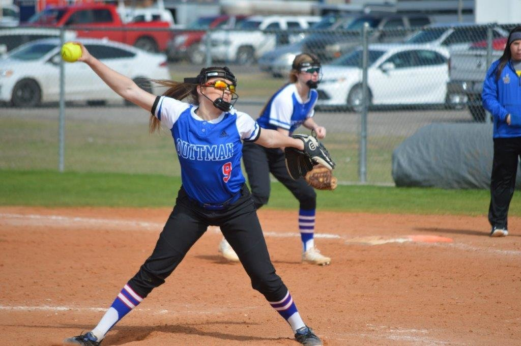 Quitman pitcher Alexis O'Neal fires a pitch in against Bowie in Quitman's 5-3 win Saturday.