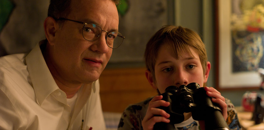 "(L-r) Tom Hanks as Thomas Schell and Thomas Horn as Oskar Schell in Warner Bros. Pictures ""Extremely Loud & Incredibly Close"" (2011)."