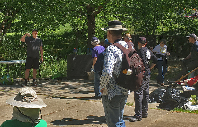 Ben Dziedzic, board member of Friends of Saylors Grove, gave a brief survey of the birds at the grove.