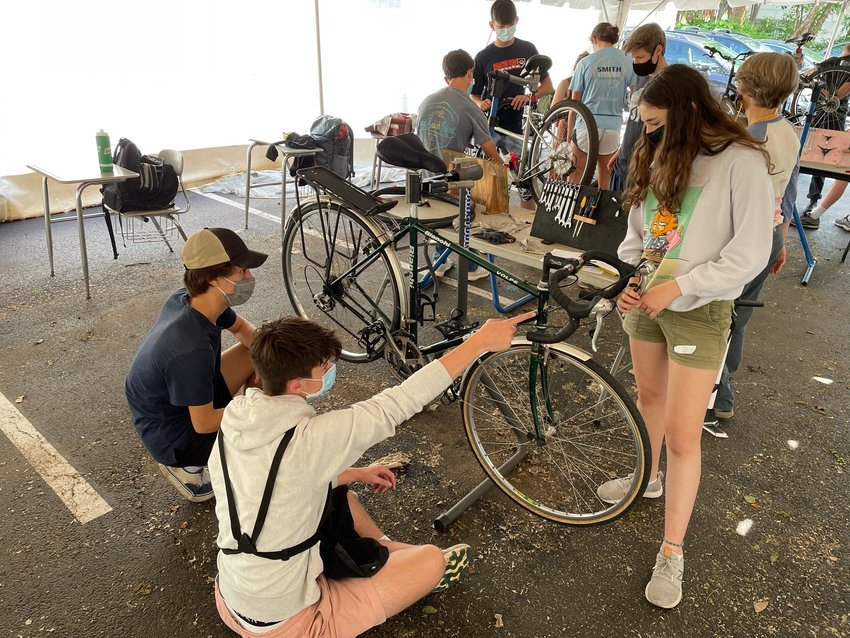 Students in the class partnered with Neighborhood Bike Works to learn how to complete routine maintenance on bicycles and prepare for the community clinic.