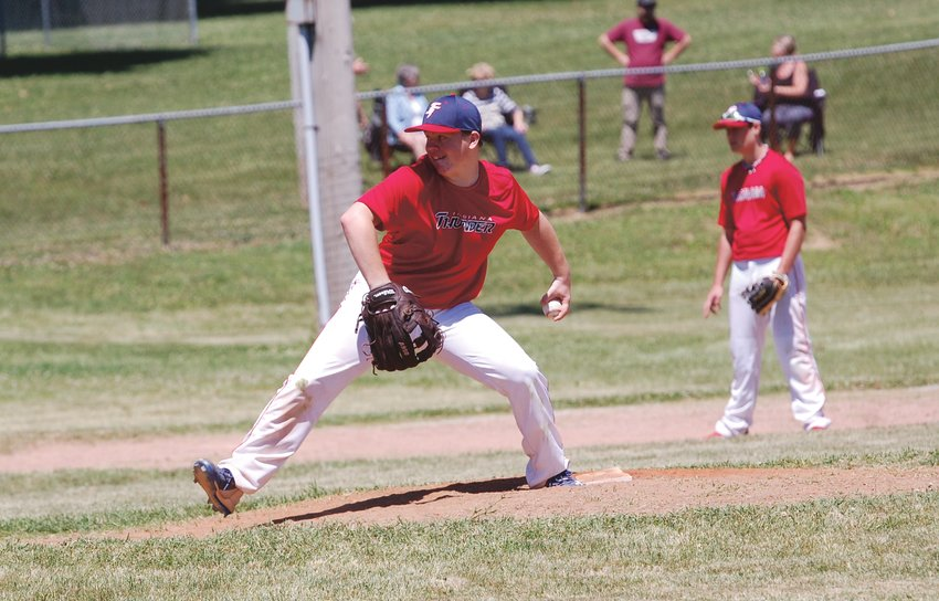 Ross Dyson fires a pitch home Sunday afternoon as the Indiana Thunder 14U team took on Harrison.