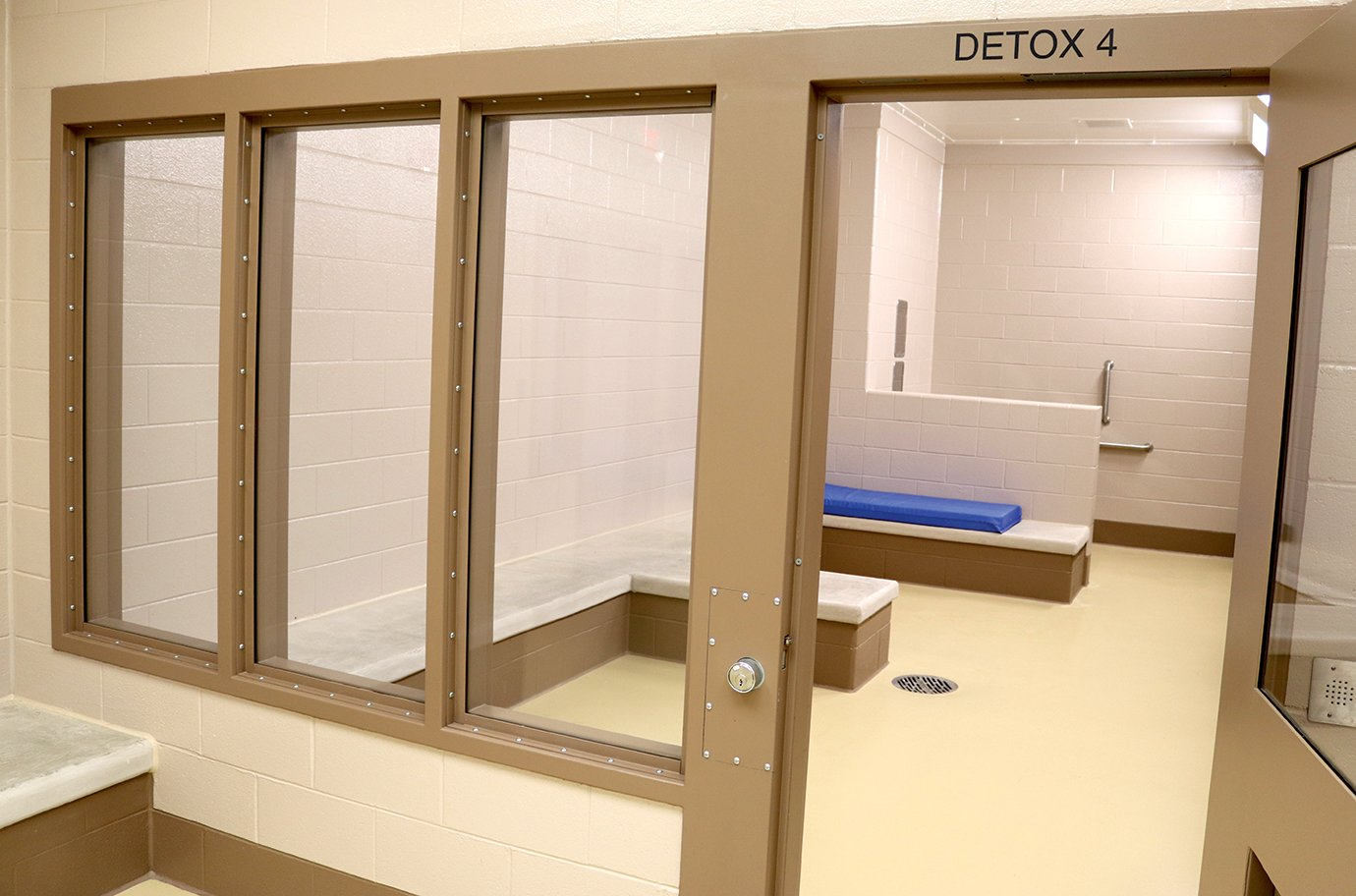 Larger detox rooms within the facility's holding area allow for more than one suspect at a time. Anywhere between 14 to 20 suspects can be held at once in two detox rooms.