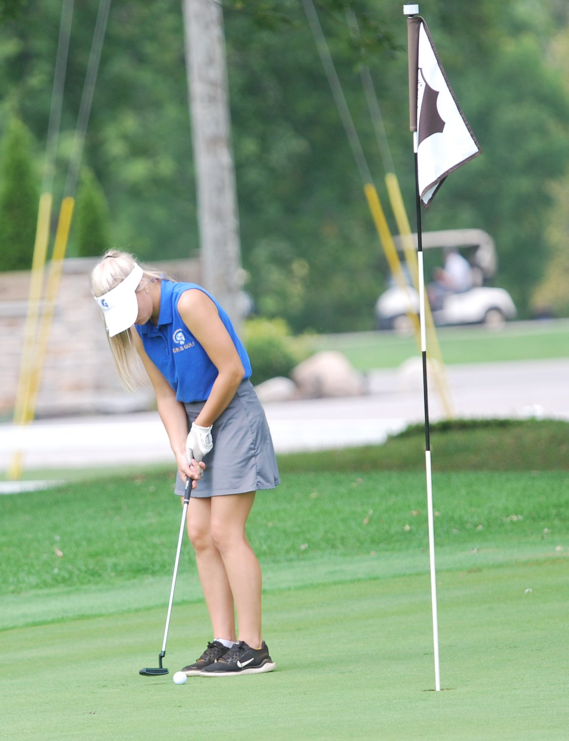 Crawfordsville sophomore Sadie Walker putts on Saturday at the Crawfordsville Country Club.