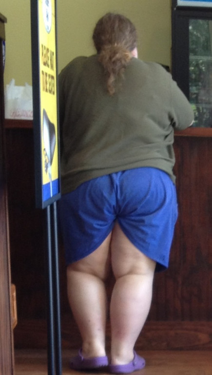 Best Actress: Unknown woman at Cruisers Grill for acting like she wasn't walking around town with a self-wedgie