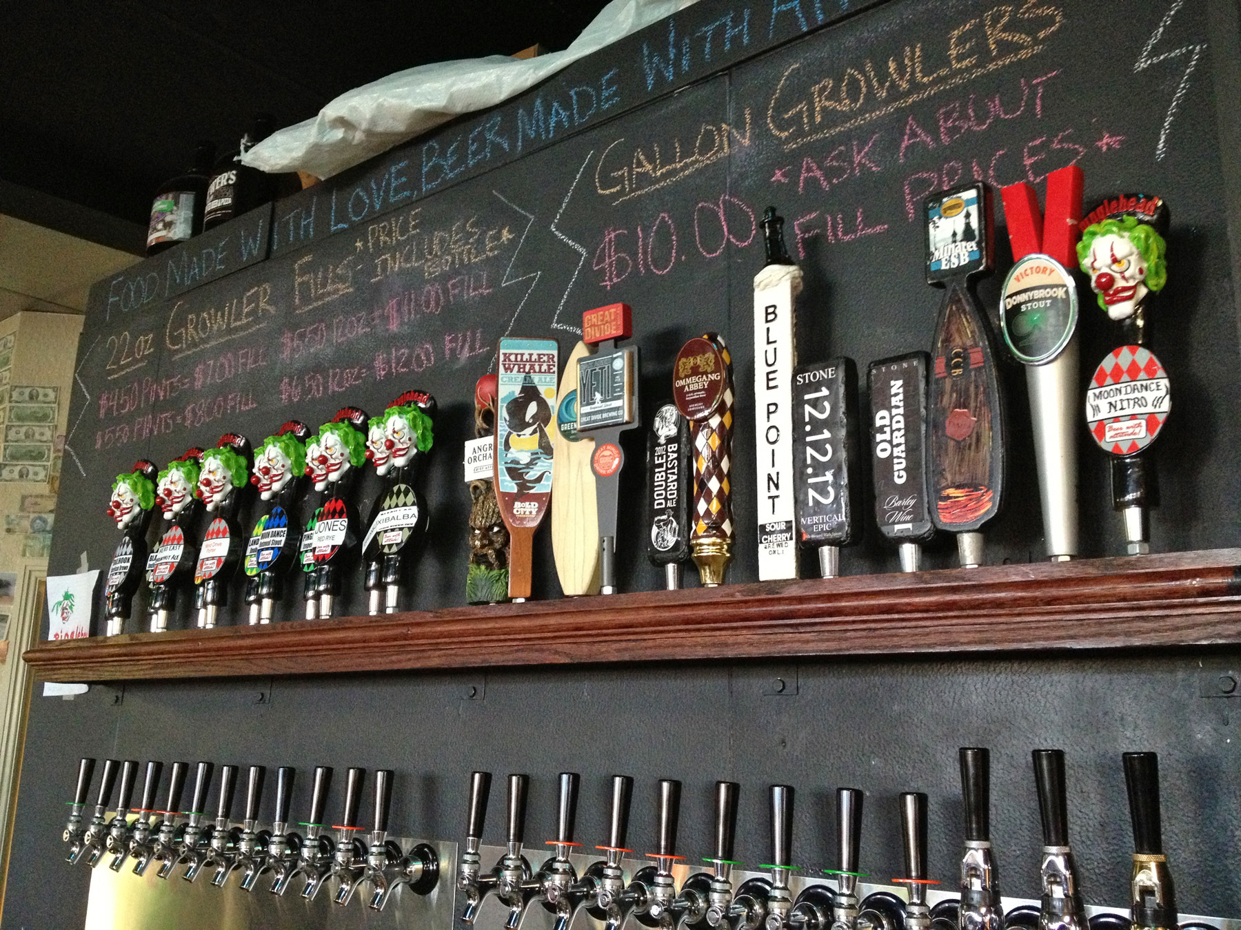 With 11 taps of Brewer's own Pinglehead beers, and local favorites from Bold City Brewery, Intuition Ale Works and Green Room Brewing, there's something for every hops-lover.