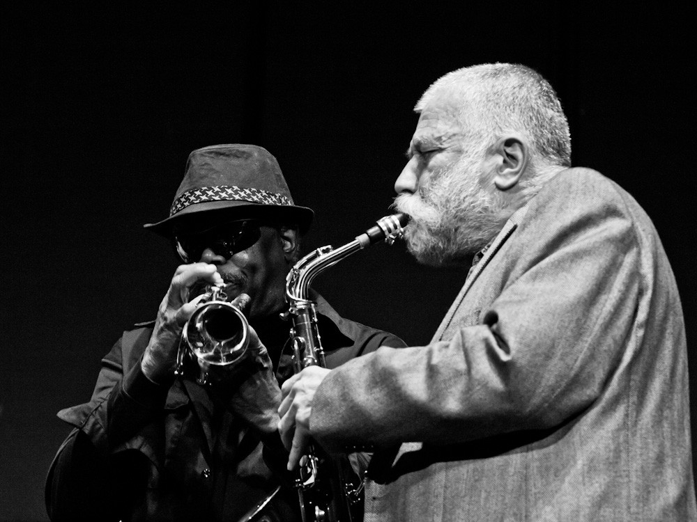 Joe McPhee (left) joined Peter Broetzmann's group, Chicago Tentet, from 1997 to 2012. The two are now touring together with only nine stops planned.