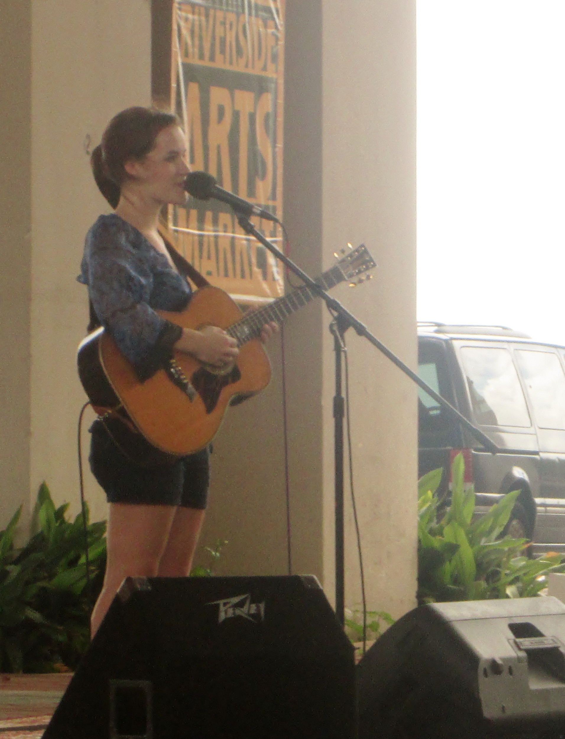 Lacy Green serenades the crowd.
