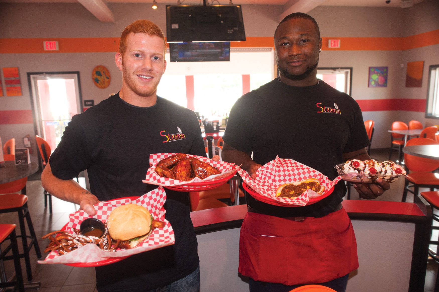 Steamin', home of the steam burger and fat dog in Mandarin, offers a Cheesy Steamer, Mumba wings, Fat Dog and caramelized banana split served by Kyle French and Derek Huggins.