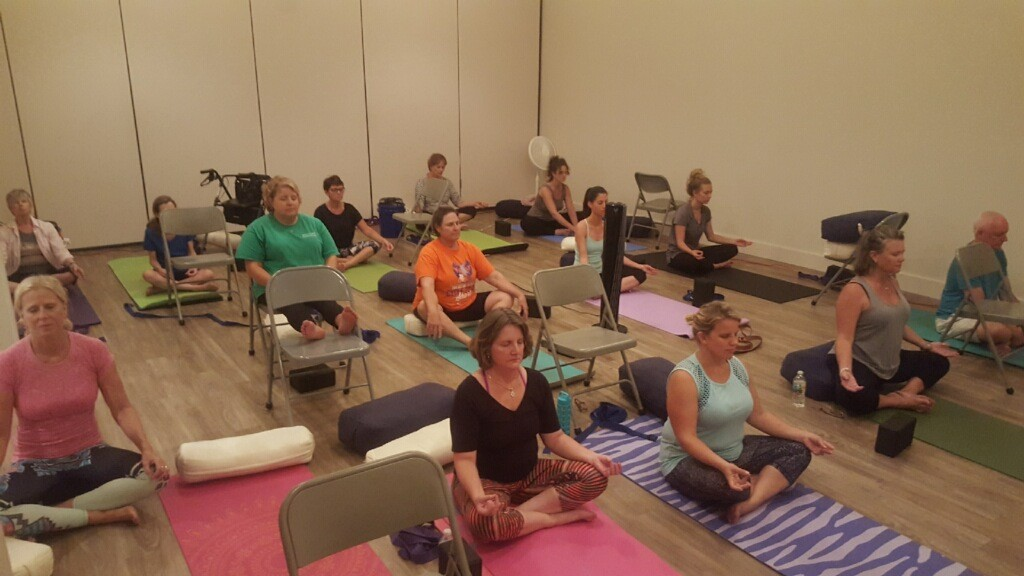 MS patients practice yoga in a judgment-free environment with oMS Yoga