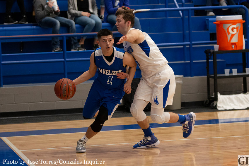 Justin Schilhab drilled three straight threes in the second quarter to spark an explosive offensive quarter for the Waelder Wildcats. Schilhab ended his night with a team-leading 19 points.