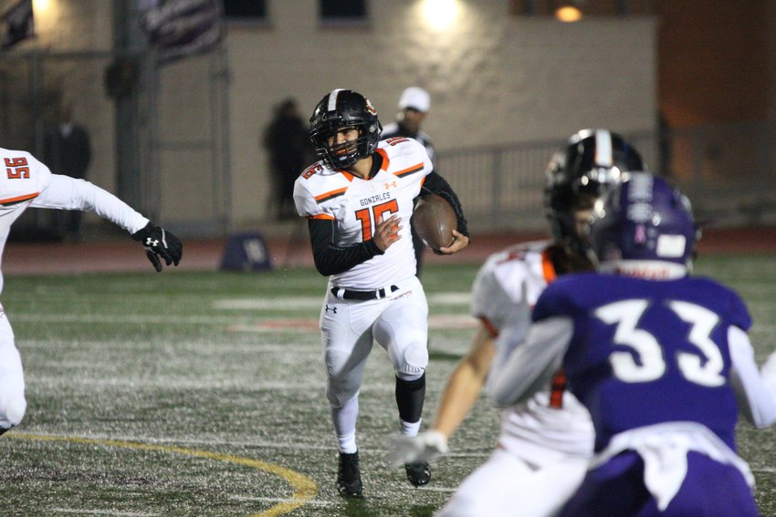 Cesar Matamoros (16) was one of five different ball carriers for the Gonzales Apaches in their 23-9 victory over Boerne on Thursday.