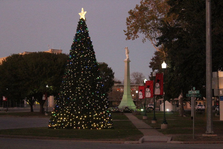 "Gonzales Main Street has placed its Christmas lights, decorations and tree out across Confederate and Texas Heroes Square. ""The Inquirer"" is also getting into the spirit. We will be accepting letters to Santa until end of day Friday, Dec. 6. Those letters will be published in the Dec. 19 edition."