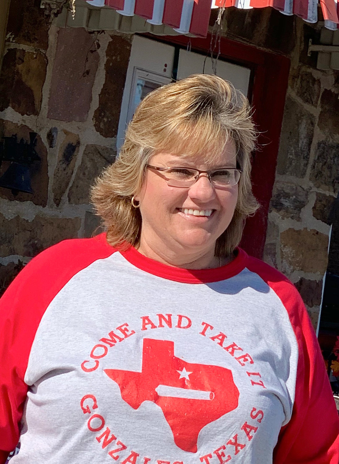 Multi-sport coach Kim Payne brings to the Apaches experience at many sports, including volleyball and softball.