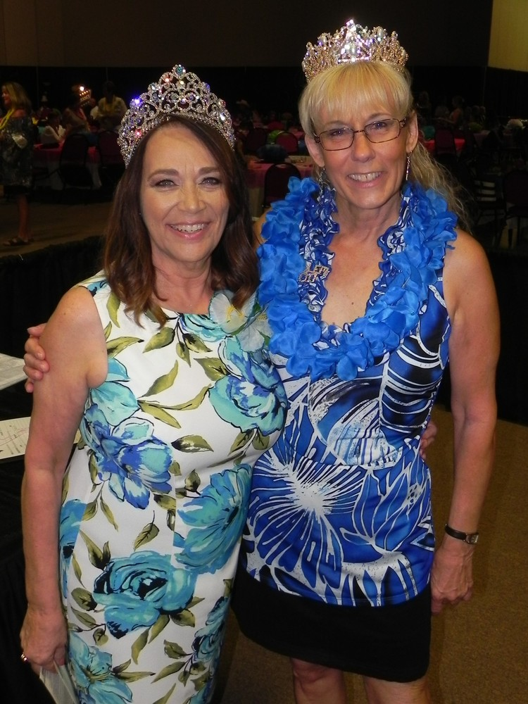 Sirens of   the Sea   Queen Cindy   Latiolais,   left, and   Emblem   Jessica   Mayer.