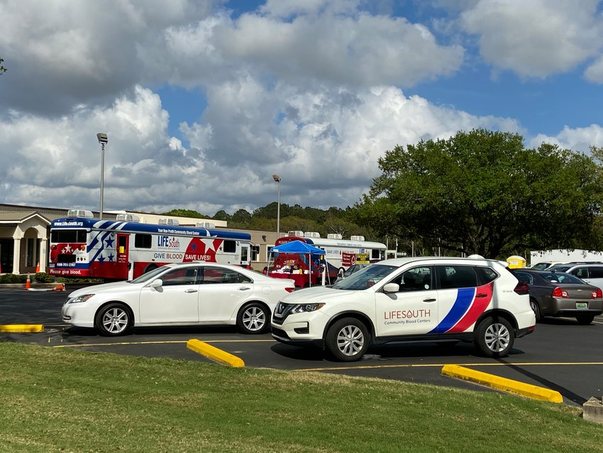 Donors to the Power of Giving drive utilized the LifeSouth bloodmobiles to maintain safe social distancing during the blood drive.