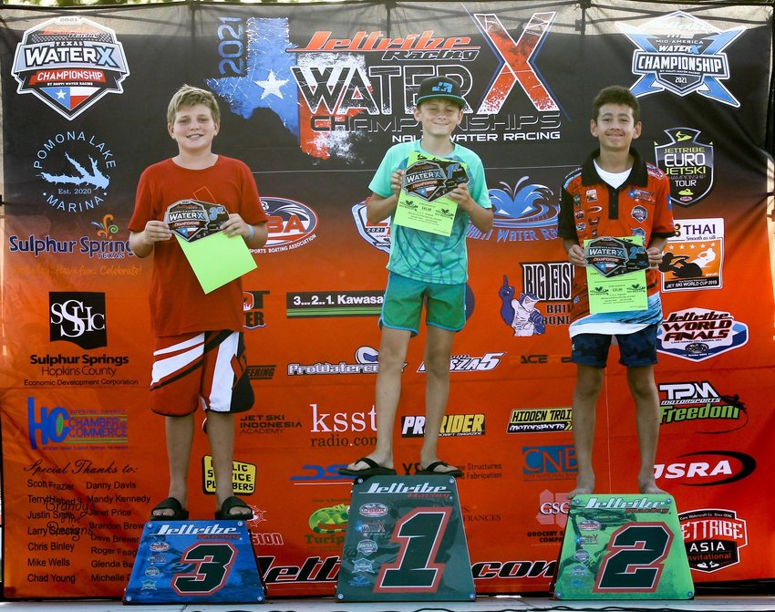 Gary Holbein, Jr of Fairhope on the center, first-place podium.