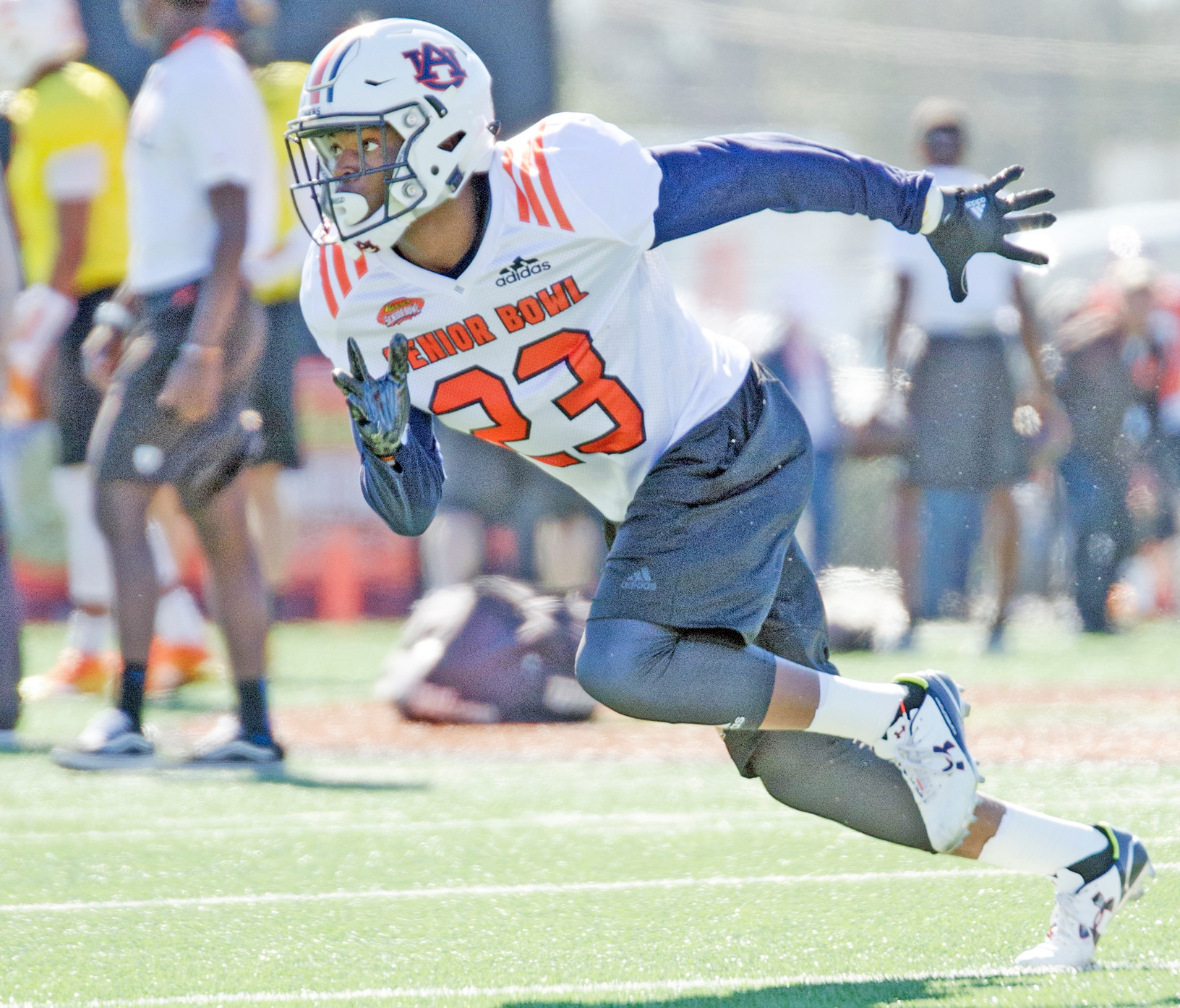 Auburn's Jonathan Jones shows some speed in warm ups Tuesday.