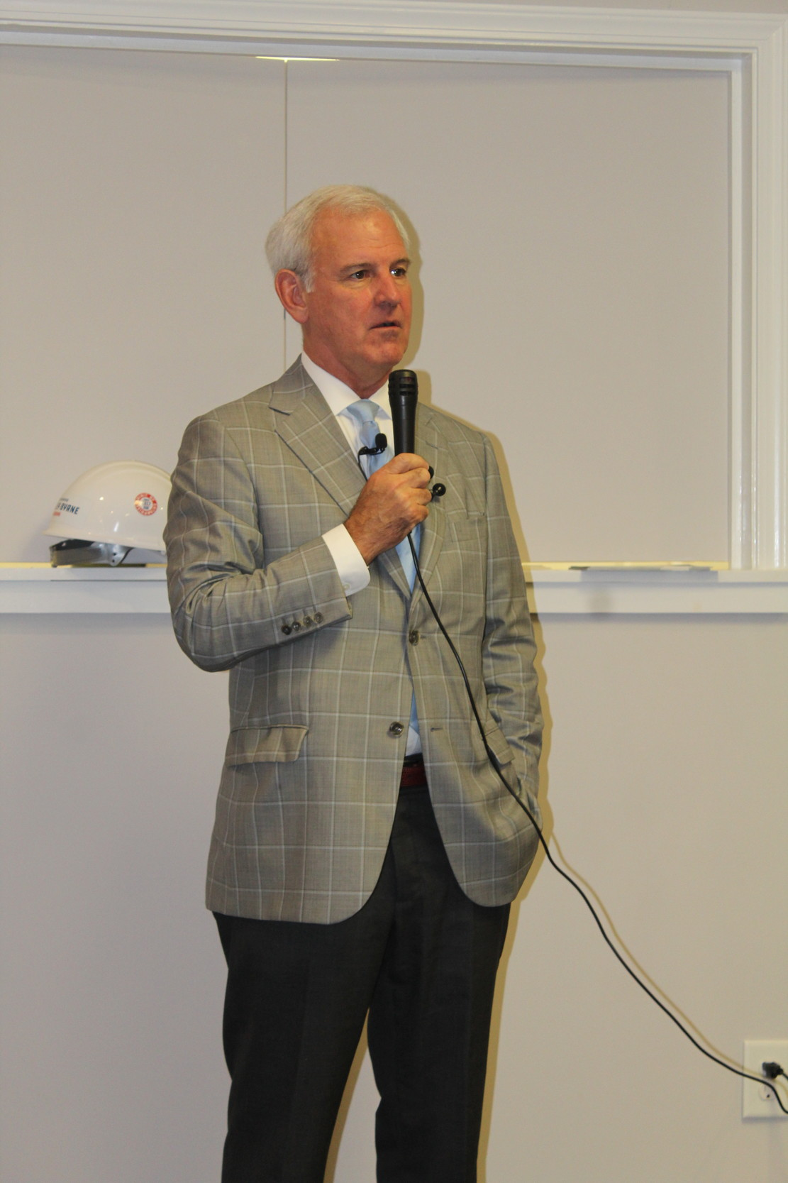 Congressman Bradley Byrne announced Wednesday morning in Bay Minette he would not be seeking election as governor of Alabama in 2018.