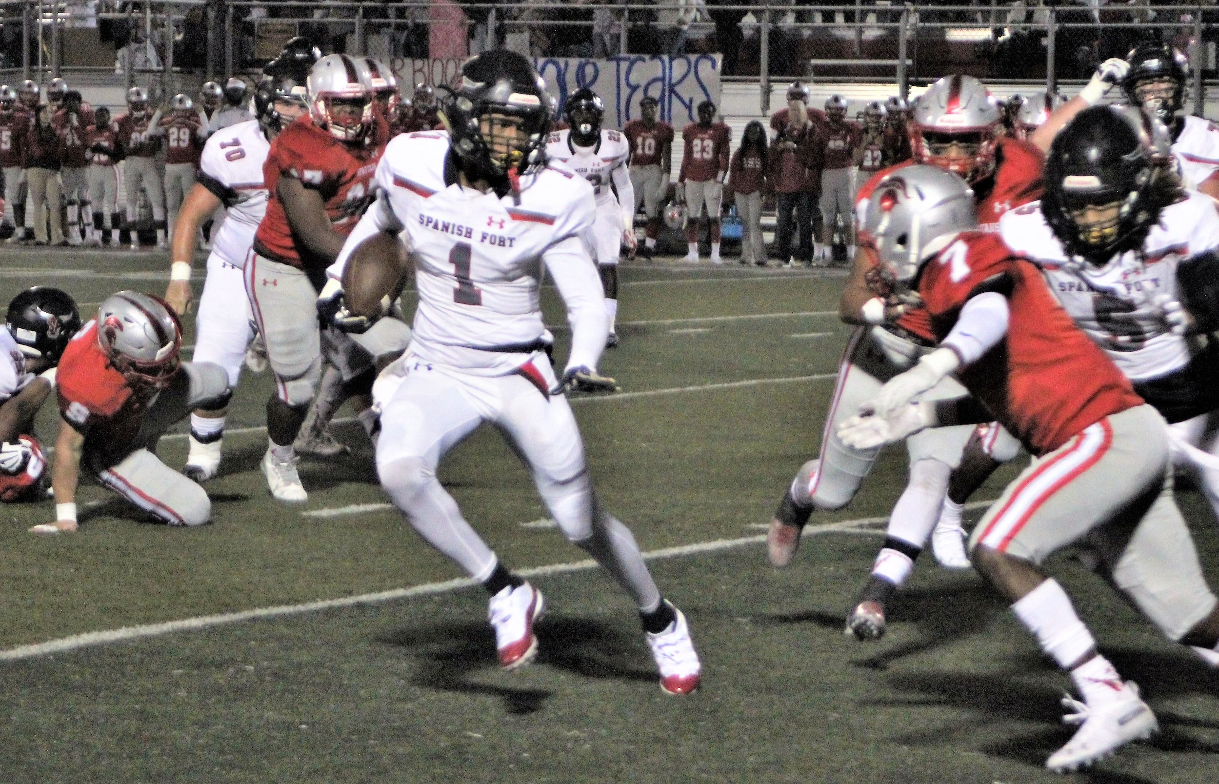 Kris Abrams-Draine (1) ran for 91 yards and a touchdown at Saraland