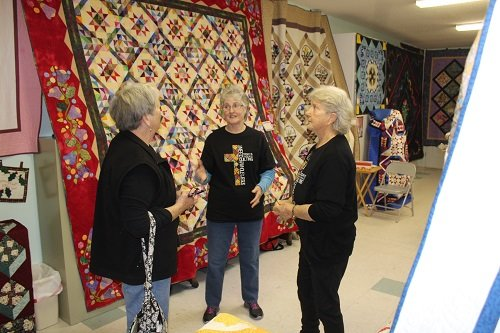 Honored quilters Pam and Angie Madden.