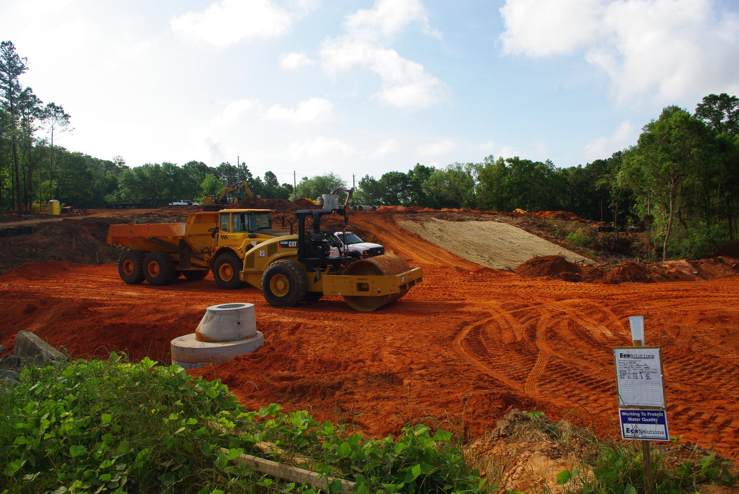 Commercial construction on US 98 in Daphne.