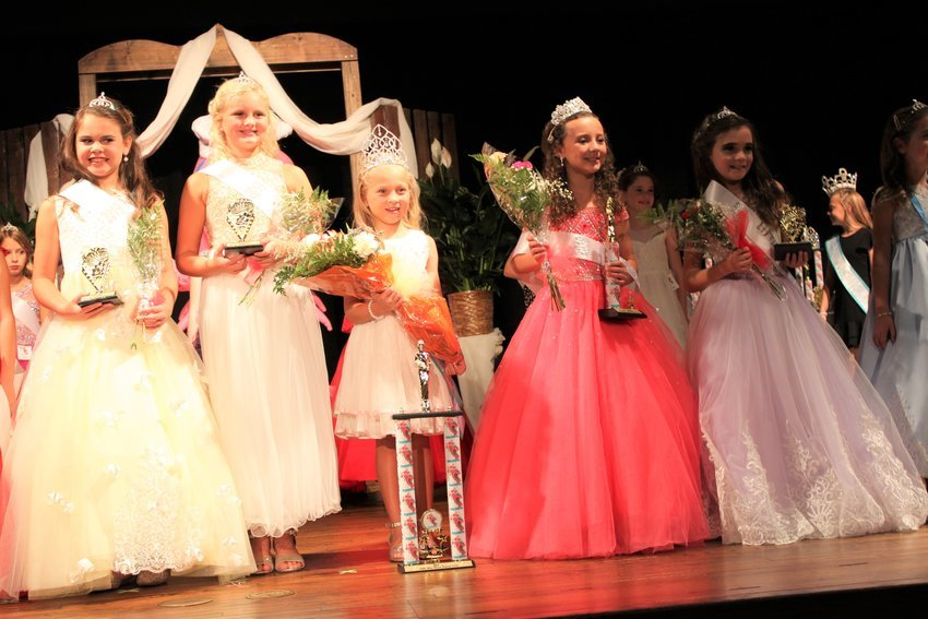 Little Miss Shrimp Festival 2019: Court Adrianna Marie LaRossa, Layla Rae Harrison, Jenna Shaver, First Alternate Vada Michele Wood, Little Miss Tinsley Vail