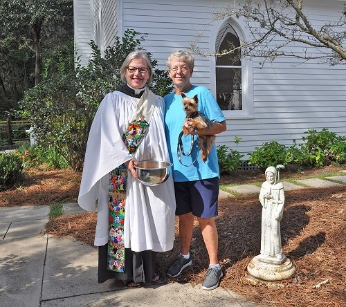 Deacon Susan McKee and Elaine Slay at last year's Blessing of the Pets,