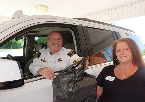 Sheriff Hoss Mack with Chamber President/CEO Gail Quezada.