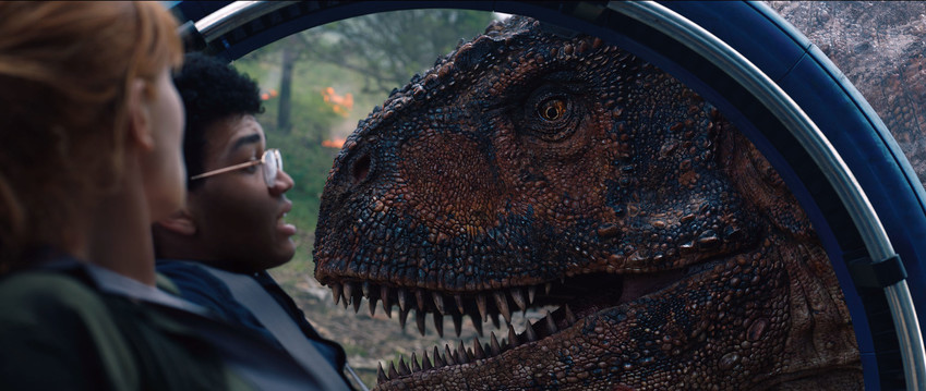 When the island's dormant volcano begins roaring to life, Owen (Chris Pratt) and Claire mount a campaign to rescue the remaining dinosaurs from this extinction-level event.