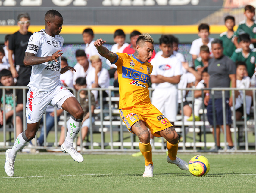 Tigres forward Eduardo Vargas (9) prepares to take a shot during a Liga MX friendly match between Tigres and Pachuca at Dell Diamond in Round Rock, Texas, on July 8, 2018.